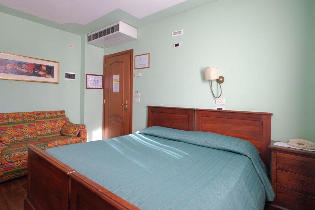 camera albergo ariis rivignano udine 1024x682 Hotel a Rivignano Teor, Udine