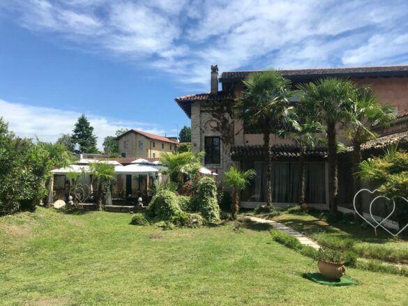 giardino 585x439 Eventi e cerimonie, Veranda esterna e giardino | Ristorante Rivignano Friuli