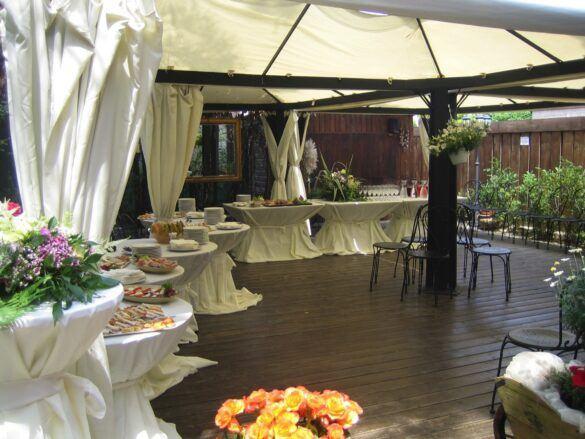 03 veranda giardino ristorante eventi cerimonie 585x439 Eventi e cerimonie, Veranda esterna e giardino | Ristorante Rivignano Friuli